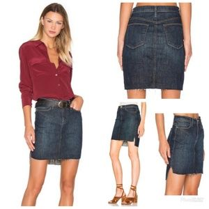 FRAME Le Staggered Denim Mini Skirt In Catamaran